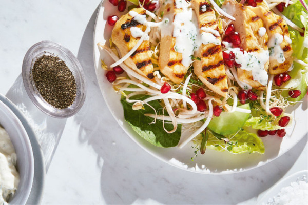 Recetas con pollo, recetas de pollo: Ensalada de pollo y lechuga con aderezo casero
