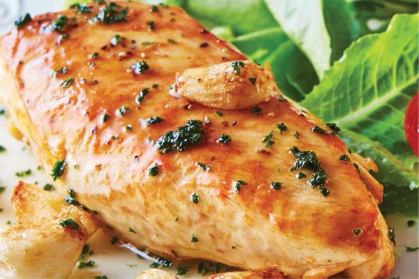 Recetas con pollo, recetas de pollo: Pechuga de pollo al ajo y vino blanco