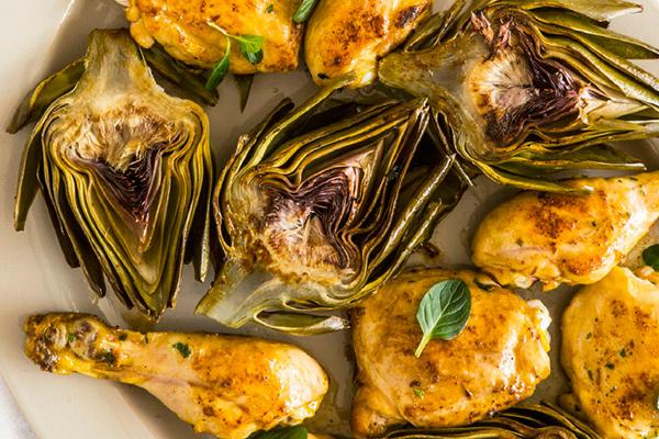 Recetas con pollo, recetas de pollo asado con alcachofas