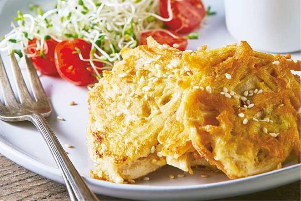 Recetas con pollo, recetas de pollo: Tortitas de pollo con salsa verde.