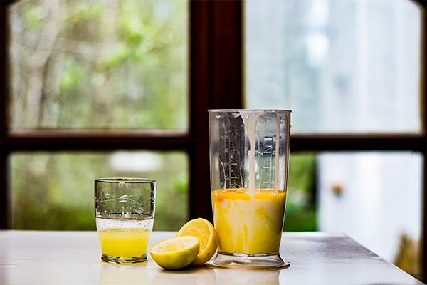 Ralladura de limón en jugo