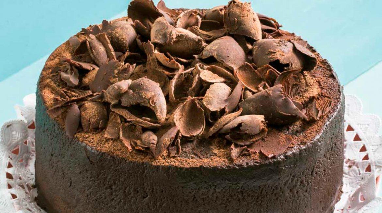 Pastel de cuatro chocolates