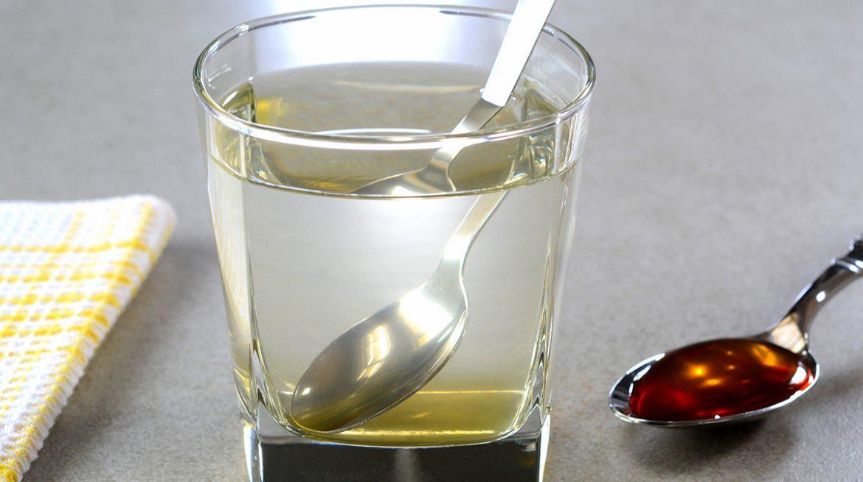 Beneficios de tomar agua con miel