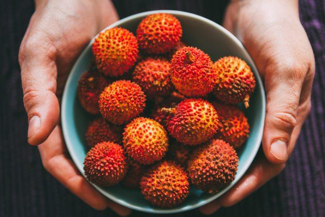es seguro comer lichis propiedades de esta fruta subtropical