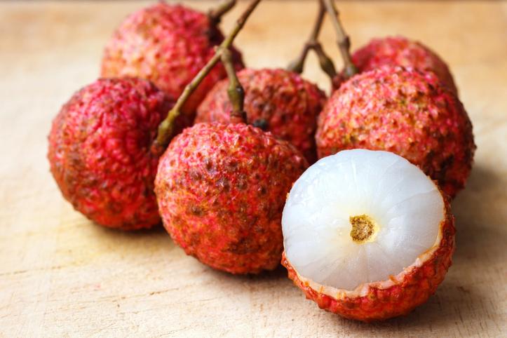 es seguro comer lichis que es y que beneficios tiene esta fruta subtropical