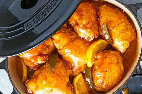 Muslos de pollo con limón, mostaza y miel