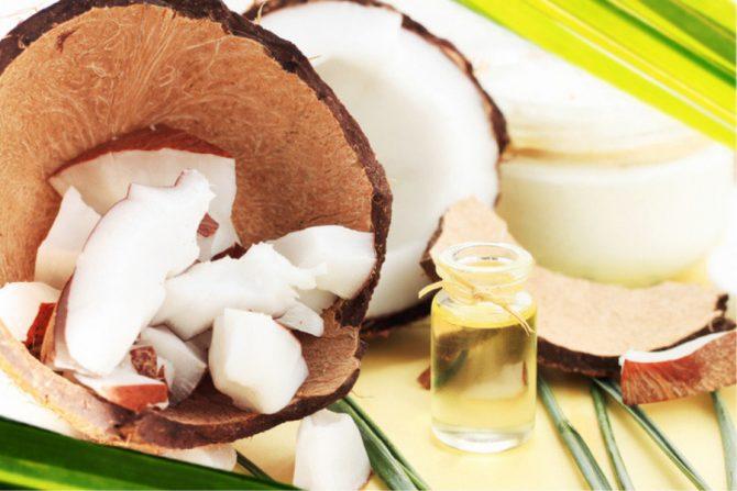 Aceite de coco para el cuero cabelludo