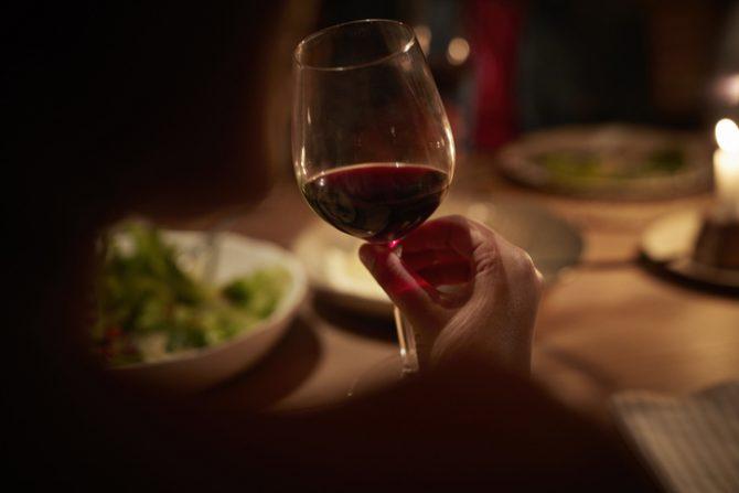 alimentos que causan dolor de cabeza vino tinto