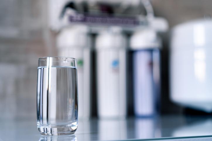 beneficios de tener un filtro de agua