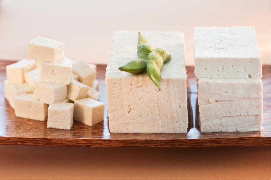 Qué es el tofu y cuáles son sus beneficios