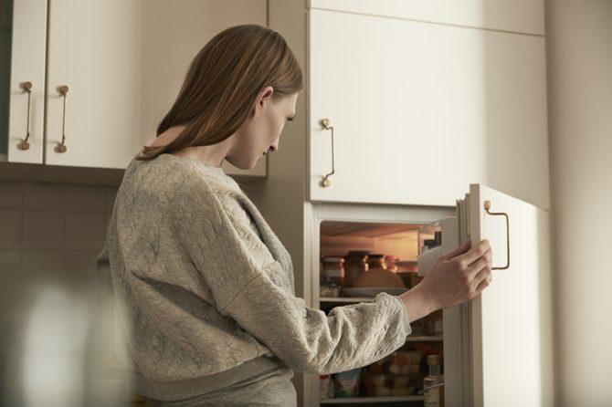 como eliminar los malos olores del refrigerador