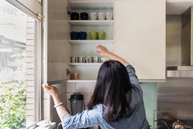 Cómo organizar los gabinates de la cocina