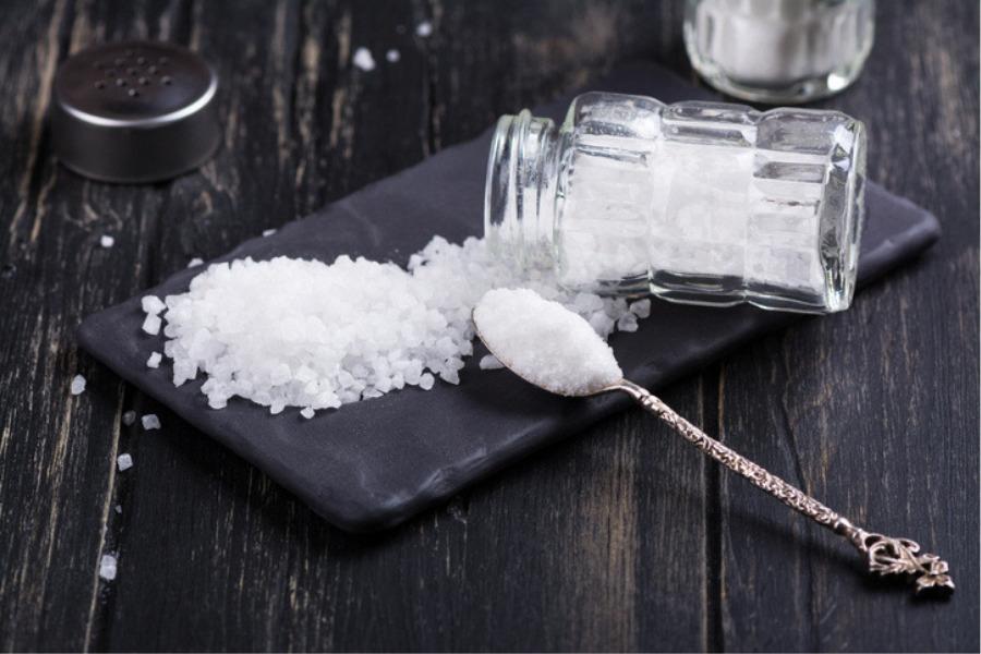 Cuánta sal debemos consumir al día