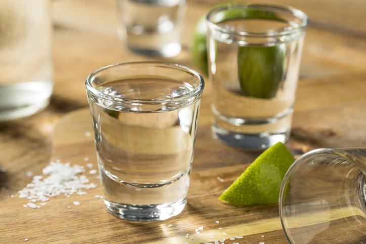 diferencias entre mezcal y tequila cual es el mejor