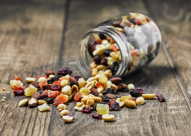 frutos secos para evitar la caspa