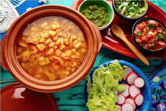 Pozole rojo, un clásico de la gastronomía mexicana