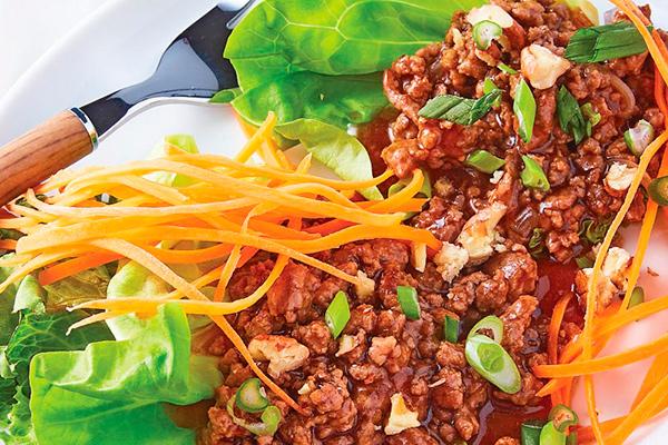 Tacos de lechuga con carne molida