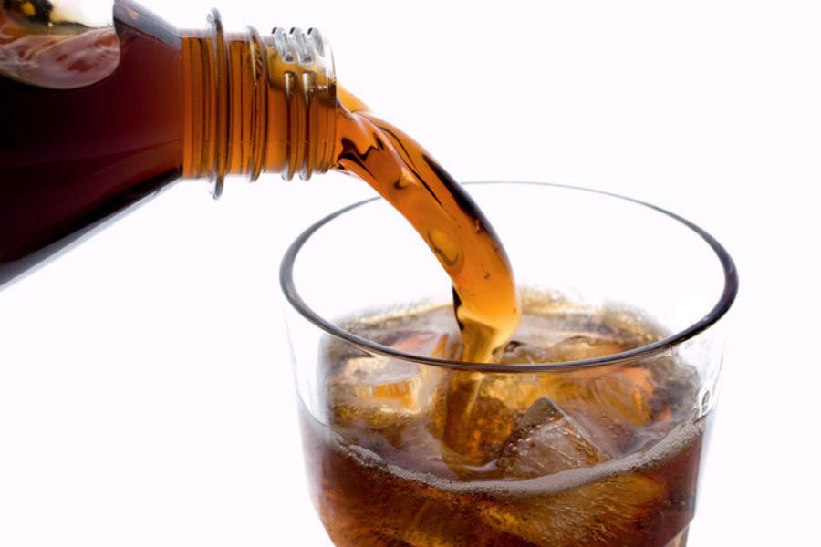 Usos del refresco de cola (coca cola)