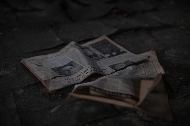 ideas para reciclar el periódico viejo en casa