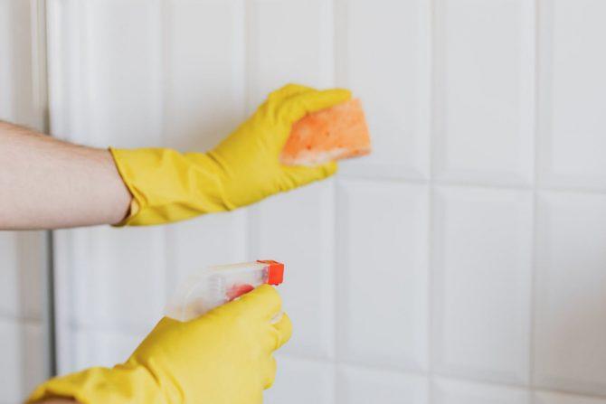 Cómo limpiar el baño con Suavitel