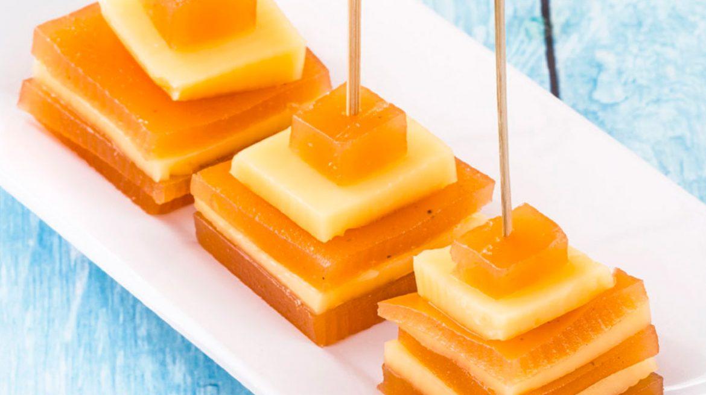brochetas dulces de ate de membrillo y queso