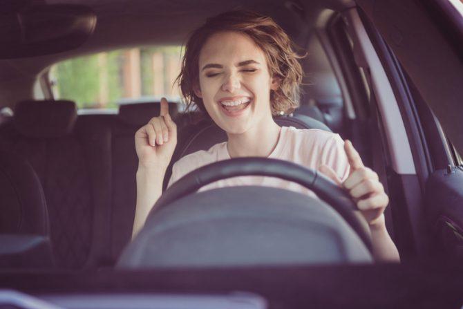 cómo eliminar malos olores del interior de un coche