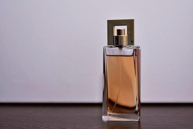 como hacer perfumes en casa con ingredientes naturales