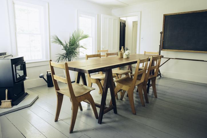 cómo quitar grasa de muebles de madera