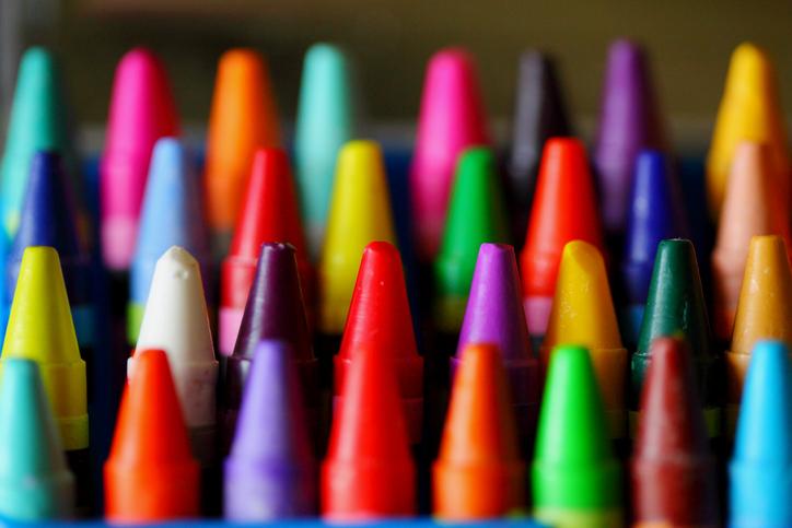 cómo quitar rayones de crayola en las paredes