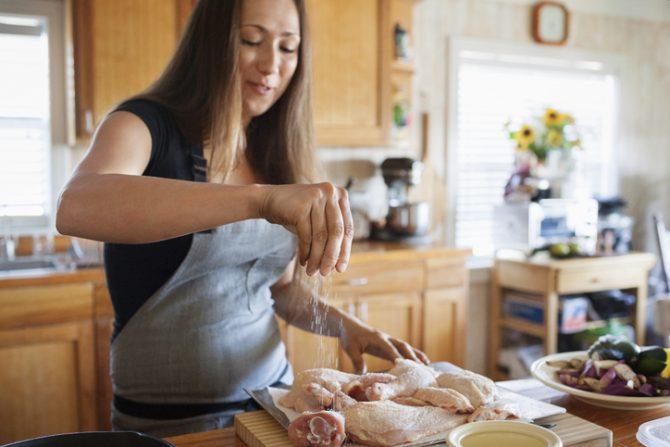por que no debes lavar el pollo antes de cocinarlo