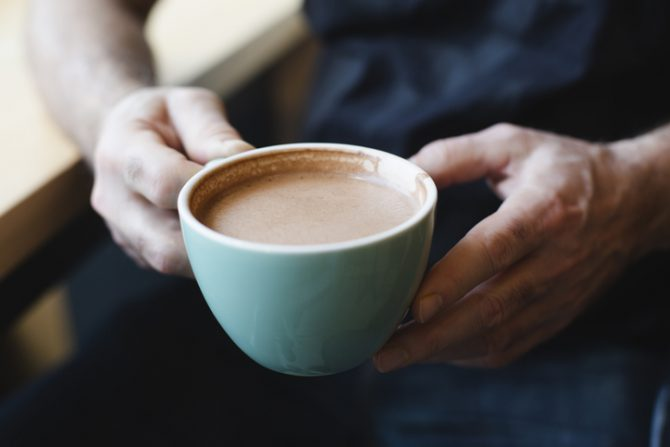 beneficios de comer chocolate en las mañanas