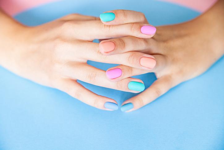 como hacer barniz de uñas casero con ingredientes naturales
