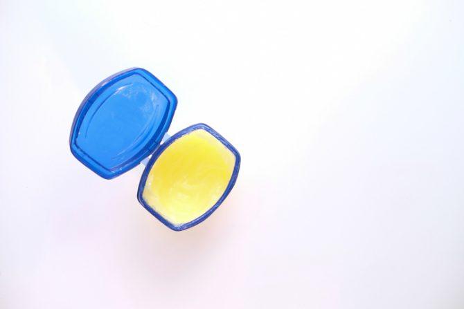 usos de la vaselina para tu arreglo personal